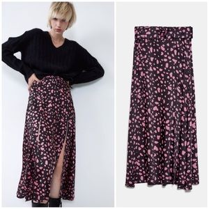 NWT Blogger Fave Pink Midi Skirt with Slits - S